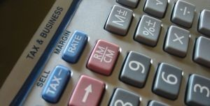 Podatki naliczane są od niemal wszystkich dochodów (sxc.hu)